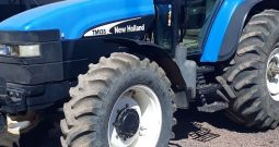 Trator New Holland TM 135 ano 2003